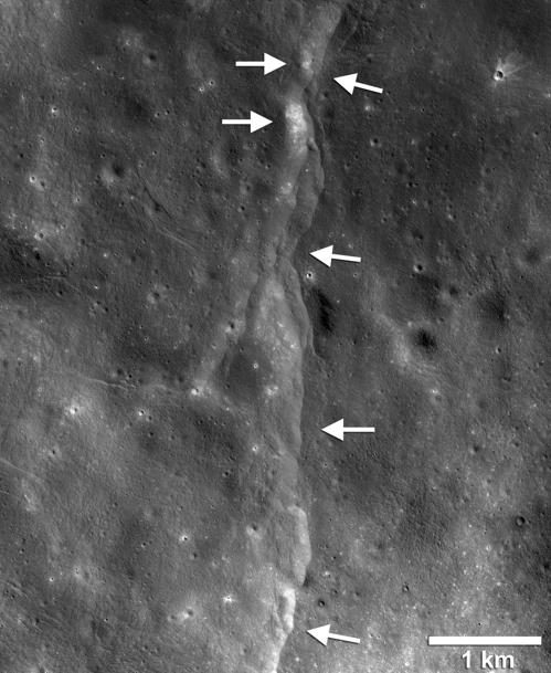 LRO가 확인한 달의 충상단층 중 한 곳