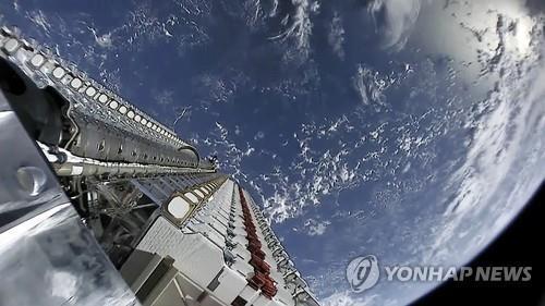 팰컨9 로켓에 실려 우주로 발사된 스타링크 위성