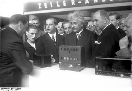 1930년 독일 베를린 IFA에서 기조연설한 아인슈타인 박사
