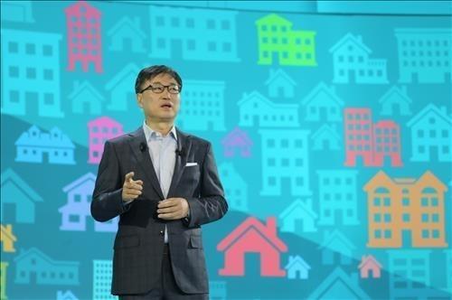 'IFA 2014' 개막 기조연설을 하고 있는 삼성전자 윤부근 사장(현 부회장)