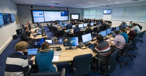 멀티미디어 기술을 활용한 CDF 회의 장면