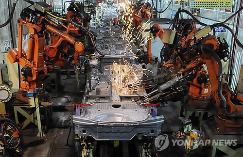 현대차 울산공장의 산업용 로봇