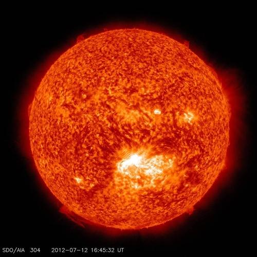 2012년 7월에 포착된 X1.4급 태양 폭발