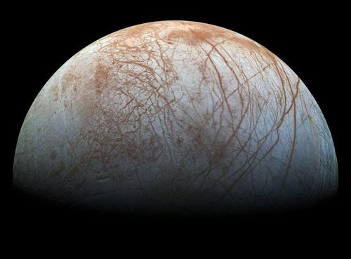 1990년대 말 갈릴레오호가 촬영한 목성 위성 '유로파' 표면