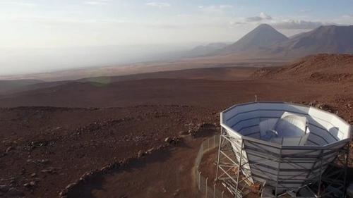 칠레 북부사막의 아타카마 우주 망원경(ACT)
