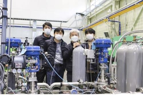 극저온 냉동기 개발한 기계연 연구팀