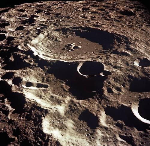 아폴로11호가 포착한 달의 뒷면 충돌구 '대달루스'