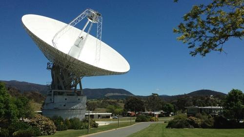 최근 성능 개선 작업을 완료한 DSN 캔버라 기지국 전파 안테나