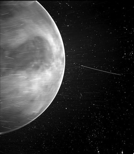 파커호의 세 번째 중력도움 비행을 앞두고 1만2천㎞ 밖서 포착한 금성.