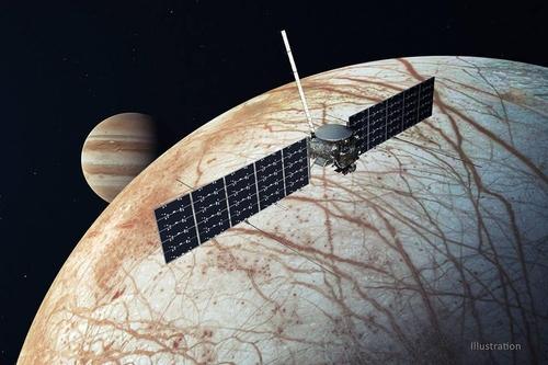 목성 궤도에서 여섯 번째 위성 유로파에 근접한 유로파 클리퍼 탐사선 상상도