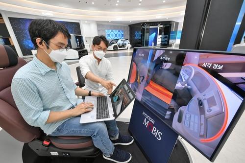 현대모비스, 세계 최초로 뇌파 기반 운전자 모니터링 시스템 '엠브레인' 개발