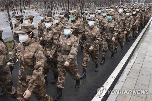 우한에 긴급 투입된 중국 군의료진
